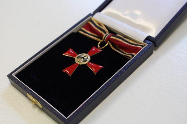 2017 wurde Trauerland-Gründerin Beate Alefeld-Gerges das Bundesverdienstkreuz verliehen.